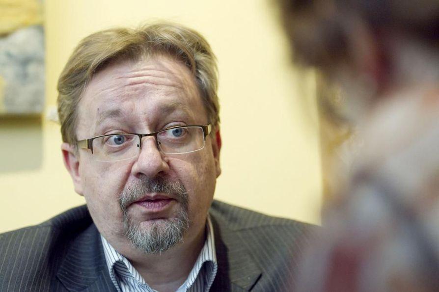 Business Oulun johtaja Juha Ala-Mursula kertoo, että Stora Enson kanssa oltiin ensimmäisen kerran yhteydessä heti, kun tieto yt-neuvotteluista tuli.
