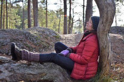 """Solei Vuortensola löysi unelmiensa talon kymmenen metriä kansallispuistosta ja perusti luontopuodin – Sitten tuli koronakevät: """"En kestä ihmispaljoutta"""""""