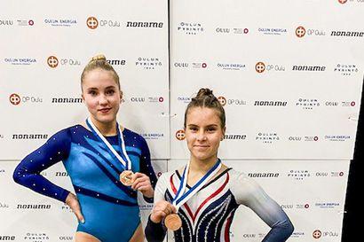 Pihla Kunnari ja Fanni Varanka hyppäsivät SM-pronssia Oulussa