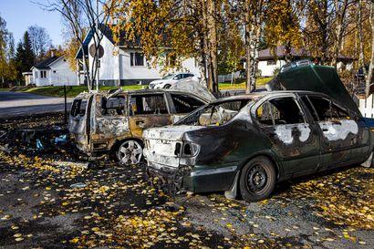 Roskakatos ja autoja paloi  Rantavitikalla aamuyöllä – tulipalo oli jo kuudes, jota epäillään tahallaan sytytetyksi Rovaniemellä