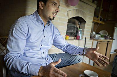 """""""10 vuotta on mennyt, eikä muutosta näy"""" – Tupoksessa asuva Khaled Al Naimi on kyllästynyt seuraamaan Syyrian tilannetta sivusta"""