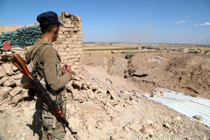 Turkki käynnisti tiistaina hyökkäyksen Pohjois-Syyrian kurdijoukkoja vastaan.