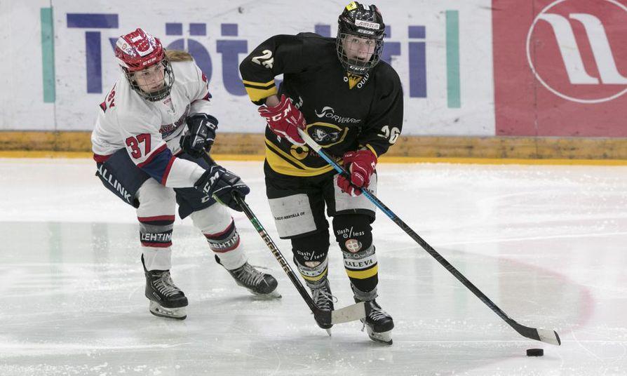Kiia Nousiainen on pelannut vahvan syksyn Kärppien tehoketjun laidassa.