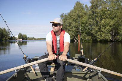 """Kymmenettuhannet katsovat oululaisen Juho Lehtolan kalastusvideoita Youtubesta – """"Sopuli"""" tunnistetaan kalareissuilla joka kerta"""