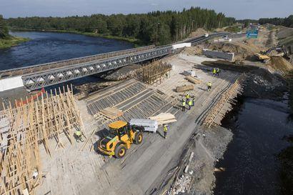 Autoilijat saavat körötellä Nelostiellä Haukiputaalla viittäkymppiä vielä pari viikkoa –  Kiiminkijoen ylittävällä varasillalla ajetaan usein ylinopeutta