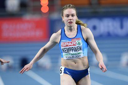 Suomella menestyspäivä EM-halleissa: Lotta Kemppinen juoksi 60 metrin hopeaa, Ella Junnila hyppäsi pronssia