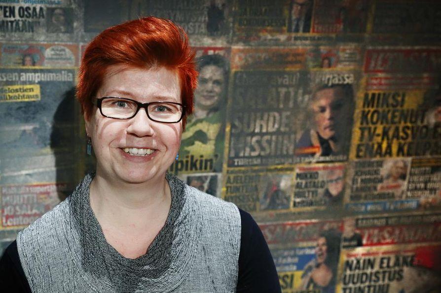 """""""Työntekijämme ovat yllättävän tasapainoisia. Evakko on totta kai yhdistänyt meitä"""", teatterinjohtaja Sarianne Paasonen uskoo."""