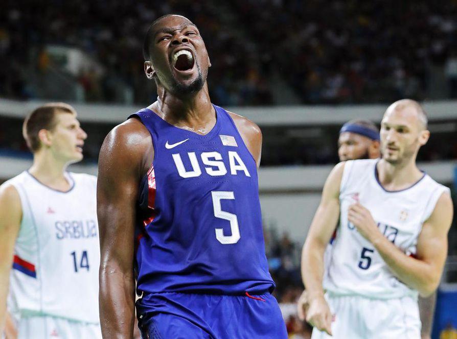 Kevin Durant heitti loppuottelun korkeimman pistemäärän, 30.