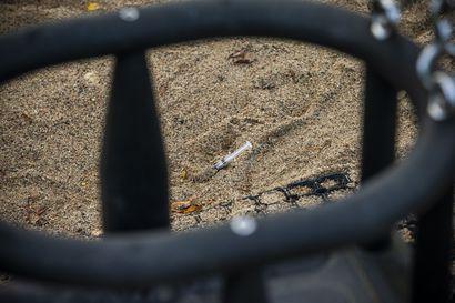 Raahen leikkipuistosta löydetty huumeruiskuja –ruiskuja oli piilotettu lattialankkujen alle