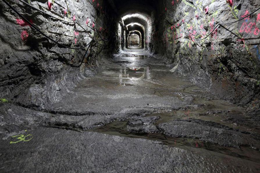 Olkiluodon ja Loviisan ydinvoimaloiden käytetyn polttoaineen loppusijoitus alkanee Posivan luolissa Eurajoella noin vuonna 2025. Fennovoiman jätteille ei vielä ole osoitetta, mutta paikaksi selvitetään sekä Eurajokea että Pyhäjokea.