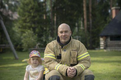 """Palomies ei luovu moukaristaan –Oulun Pyrinnön 38-vuotias Petri Rautio haluaa vielä heittää 70 metriä: """"Sitten voi kutsua itseään moukarinheittäjäksi"""""""