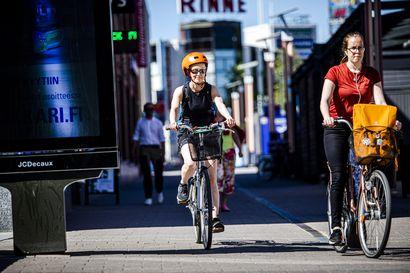 Asenteet pyöräilijöitä kohtaan liikenteessä ovat parantuneet – yleisin rike on ajo jalkakäytävällä, onnettomuuksissa tilannenopeus on usein liian suuri