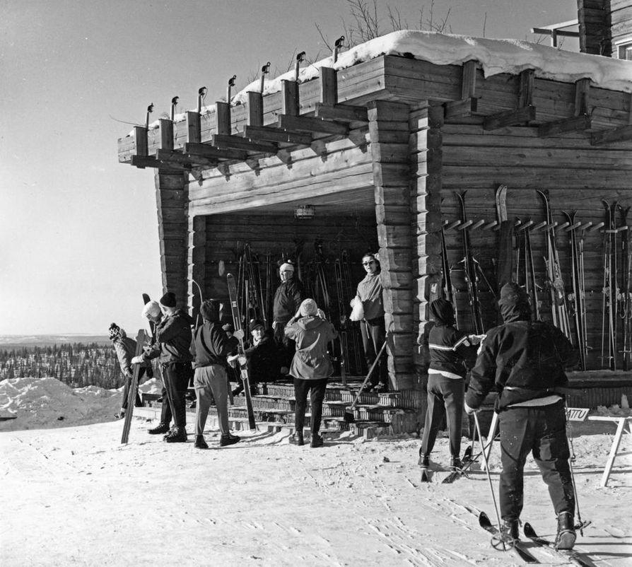 Pallaksella 1948.
