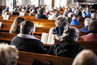 Lukijalta: Kirkkoon kannattaa kuulua