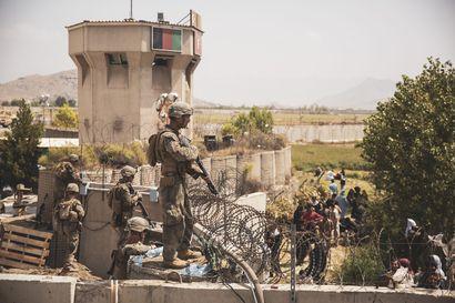 Kabulin lentokentän ympäristön kaaoksessa kuollut useita siviileitä