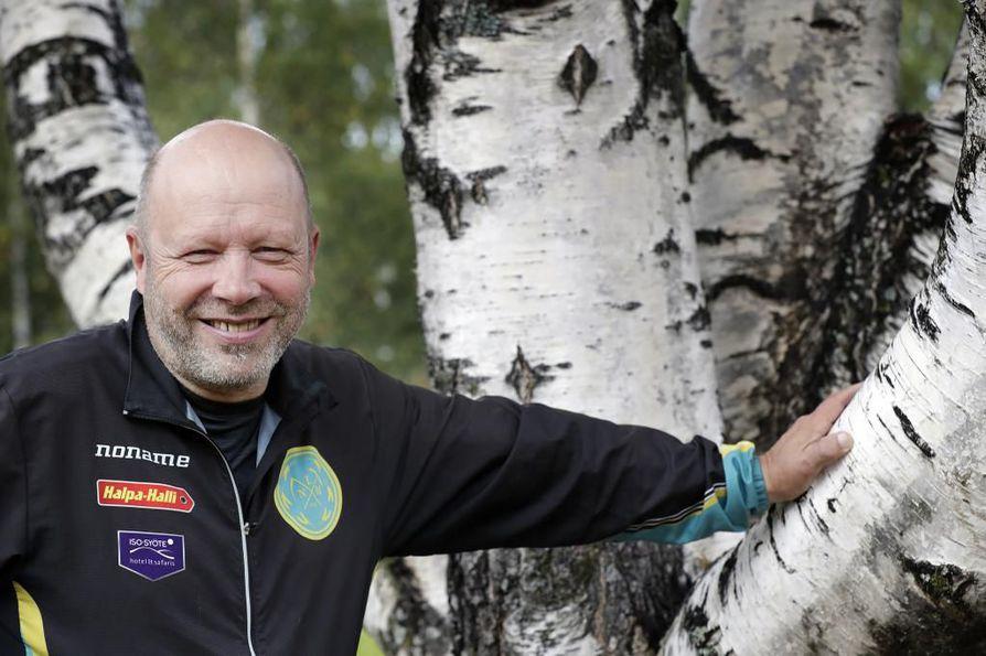 Limingan Niittomiesten valmennuspäällikkö Jorma Jokela valmentaa sekä kunto- että kilpajuoksijoita. –Joillakin kuntoilijoilla jää tauti päälle, ja heidän tapaamisensa antaa minulle valmentajana syvän tyydytyksen tunteen.