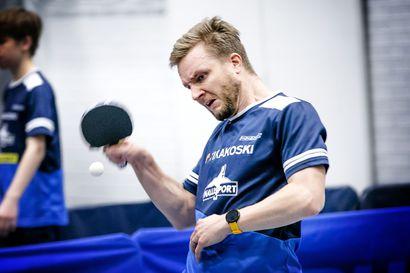 Tuomas Perkkiö tuttu voittaja Kemin pöytätenniskisoissa, finaalissa kukistui seurakaveri Pekka Ågren