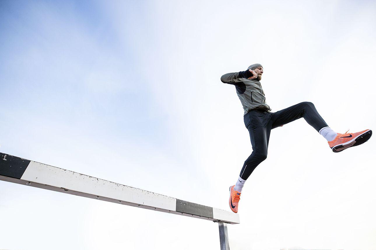 Kolmenkympin kriisi muuttui uhoksi: oululainen Kari Poutiainen väitti vaimolleen pystyvänsä juoksemaan lujaa –Nyt 36-vuotias oli jo Kalevan kisojen 3000 metrin estekisan kuudes