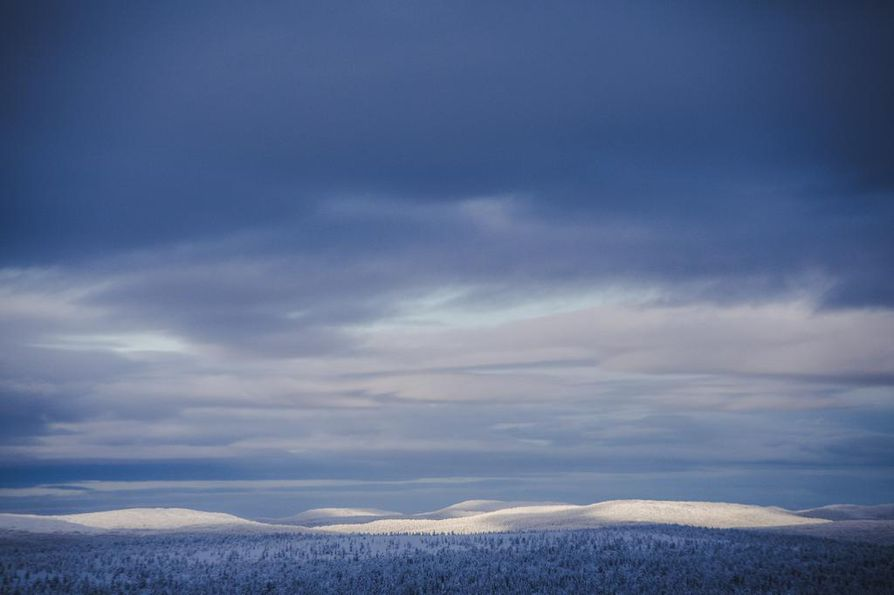 Saariselän Kiilopään ladut sopivat profiililtaan hiihtolomalaiselle. Ympäristö innottaa tekemään pitkiä lenkkejä.