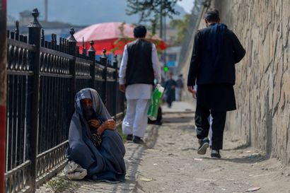 Afganistanista evakuoiduille nopeasti oleskelulupia –osa Kabulista turvaan viedyistä vasta matkalla Suomeen