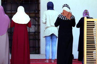 """Ranska suunnittelee """"neitsyystestien"""" kieltämistä lailla – pelätään kostautuvan musliminaisille"""