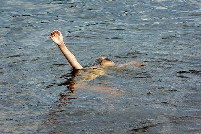 """Juhannuksena hukkuu eniten keski-ikäisiä miehiä, Lapissa hukkuminen harvinaisempaa – """"Jos halutaan nollatilasto, niin pitää toivoa, että olisi huono sää ja sataisi paljon vettä"""""""