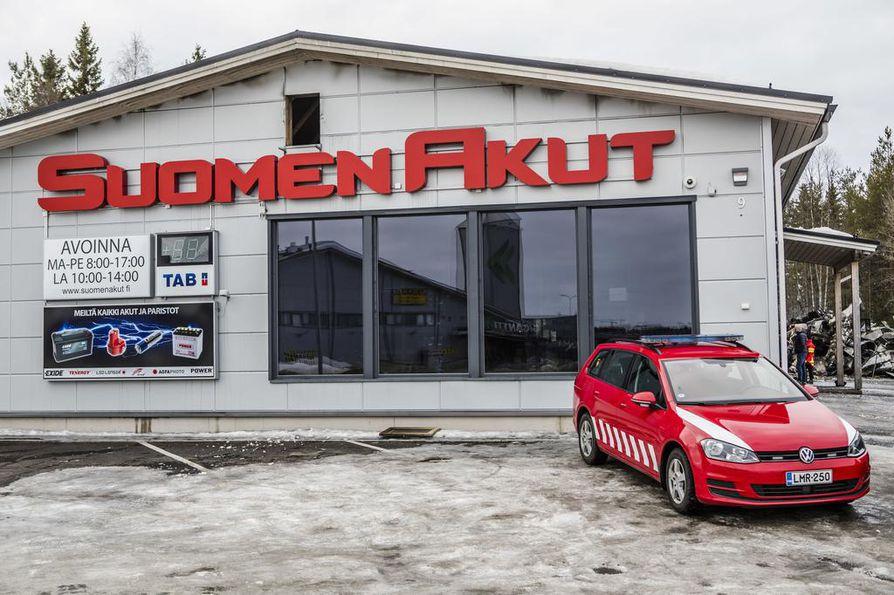 Rakennuksen myymäläosa jäi pystyyn, mutta Kari Rautionahon mukana sekin on kärsinyt niin mittavia vesivahinkoja, että sitä tuskin saadaan korjattua. Sen päättää lopulta vakuutusyhtiö, yrittäjä sanoo.