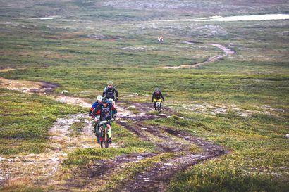 Kaldoaivin erämaan maastoissa poljettiin kilpaa maastopyöräilyn merkeissä