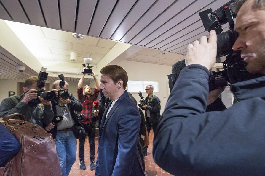 Kanta-Hämeen käräjäoikeus on hylännyt näyttelijä Aku Hirviniemen syytteet seksuaalisesta ahdistelusta.