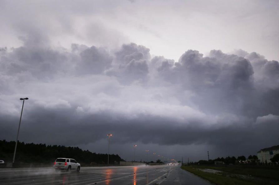 Moni on lähtenyt Irma-hurrikaania karkuun Floridan eteläosista.