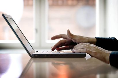 Kyberturvallisuuskeskus varoittaa pornokiristysviesteistä, lunnaita ei saa maksaa – Oulun poliisille tullut kymmenen rikosilmoitusta