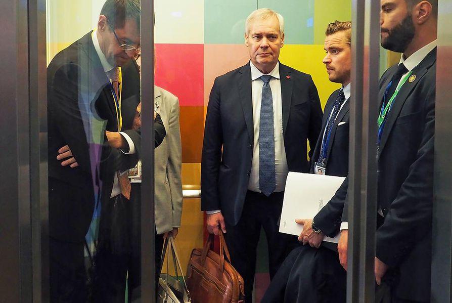 EU:n puheenjohtajamaata puristetaan nyt molemmilta puolilta. Pääministeri Antti Rinteen esittelemää rahoituskehysehdotusta vastustetaan laajalti.