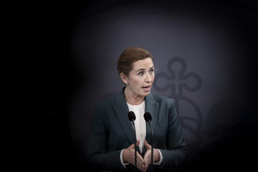 Tanskan pääministeri Mette Frederiksen ilmoitti perjantai-iltana, että ulkomaalaisilta estetään pääsy maahan lauantain keskipäivästä alkaen. Rajoituksen on määrä olla voimassa kuukauden.