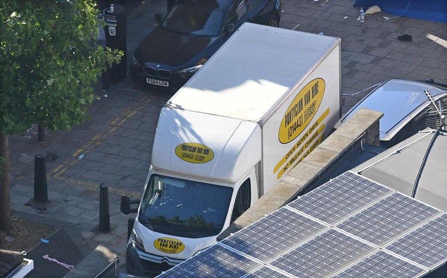 Kuvan pakettiauton epäillään olevan Finsbury Parkin hyökkääjän käyttämä ajoneuvo.