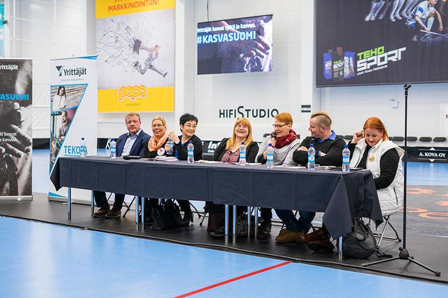Kansanedustajaehdokkaat keskustelivat yrittäjiä lähellä olevista ajankohtaisista aiheista Kempeleen Zempissä. Keskusteluun osallistuivat Miika Sutinen (vas.), Heidi Haataja,  Riikka Moilanen, Leena Askeli, Paula Pohjanrinne, Janne Halunen ja Tanja Tiainen.
