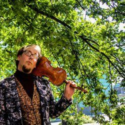 Elisar Riddelinilta tilattu sävelruno Voara johdattaa kuulijan Luoston muinaishistoriaan