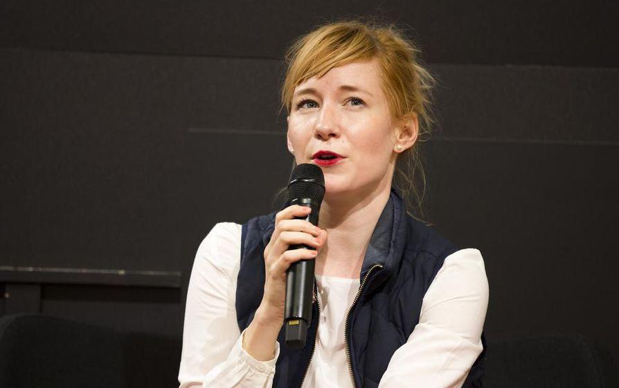 Linda Liukas on tottunut esiintymään kolmella mantereella: Euroopassa, Aasiassa ja Pohjois-Amerikassa. Uuden apurahan myötä hänen tuotantonsa ja matkansa laajenevat Lähi-itään ja Afrikkaan.