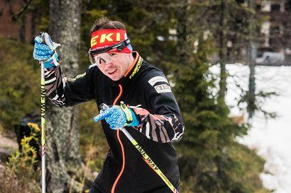 55 vuotta hiihtänyt Kalle Saapunki iloitsi Rukan ensilumen ladusta – Rudolf Klemetillä taas tuli vain neljän kuukauden tauko hiihtoon