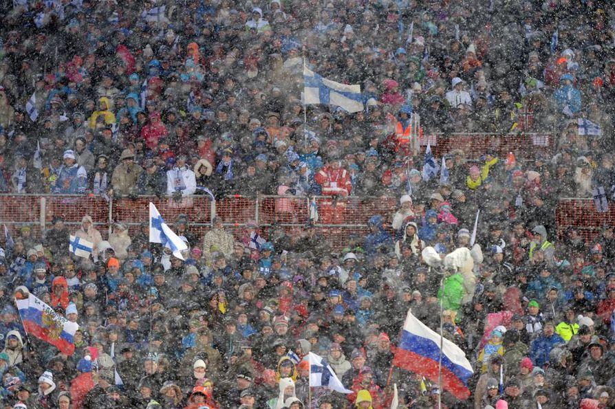 Ampumahiihdon MM-kisat keräsivät Kontiolahdelle tuhansia katsojia viime viikonloppuna. Kisat jatkuvat keskiviikkona.