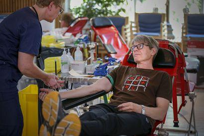 Poikkeuskuukaudet eivät ole säikyttäneet verenluovuttajia pois tilaisuuksista