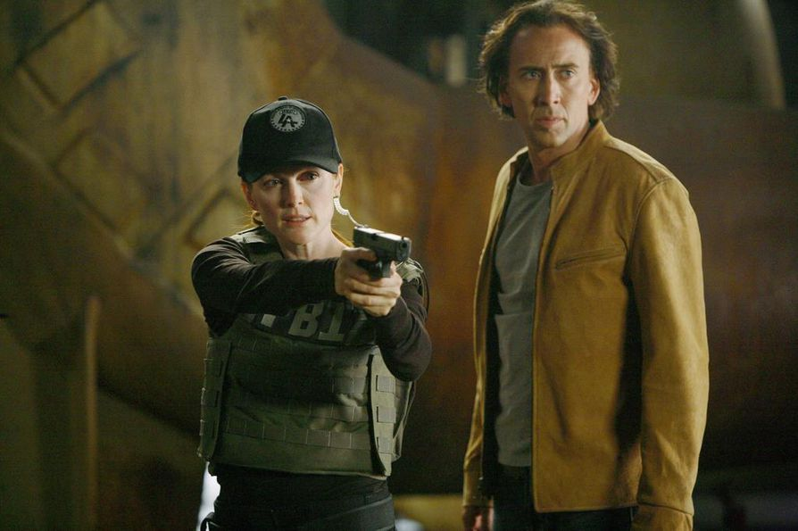 Nicolas Cage omaa poikkeuksellisia kykyjä toimintajännärissä Next. Mukana myös Julianne Moore.