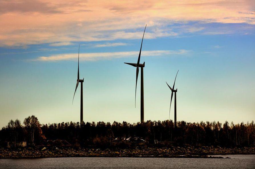 Vähäpäästöistä energiantuotantoa kehittävää teknologiaa pitäisi Valdis Dombrovskisin mukaan tukea Euroopan unionissa.