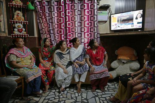 Intialainen äiti ja aurinko seksi videot