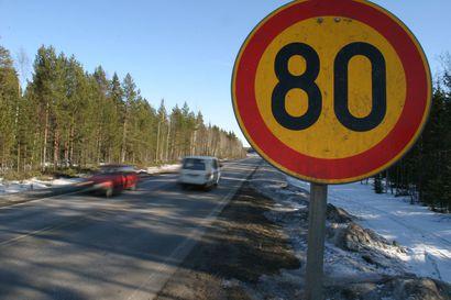 Pohjois-Pohjanmaalla ja Kainuussa siirrytään kesänopeusrajoituksiin tällä viikolla – merkit vaihdetaan keskiviikkona ja torstaina