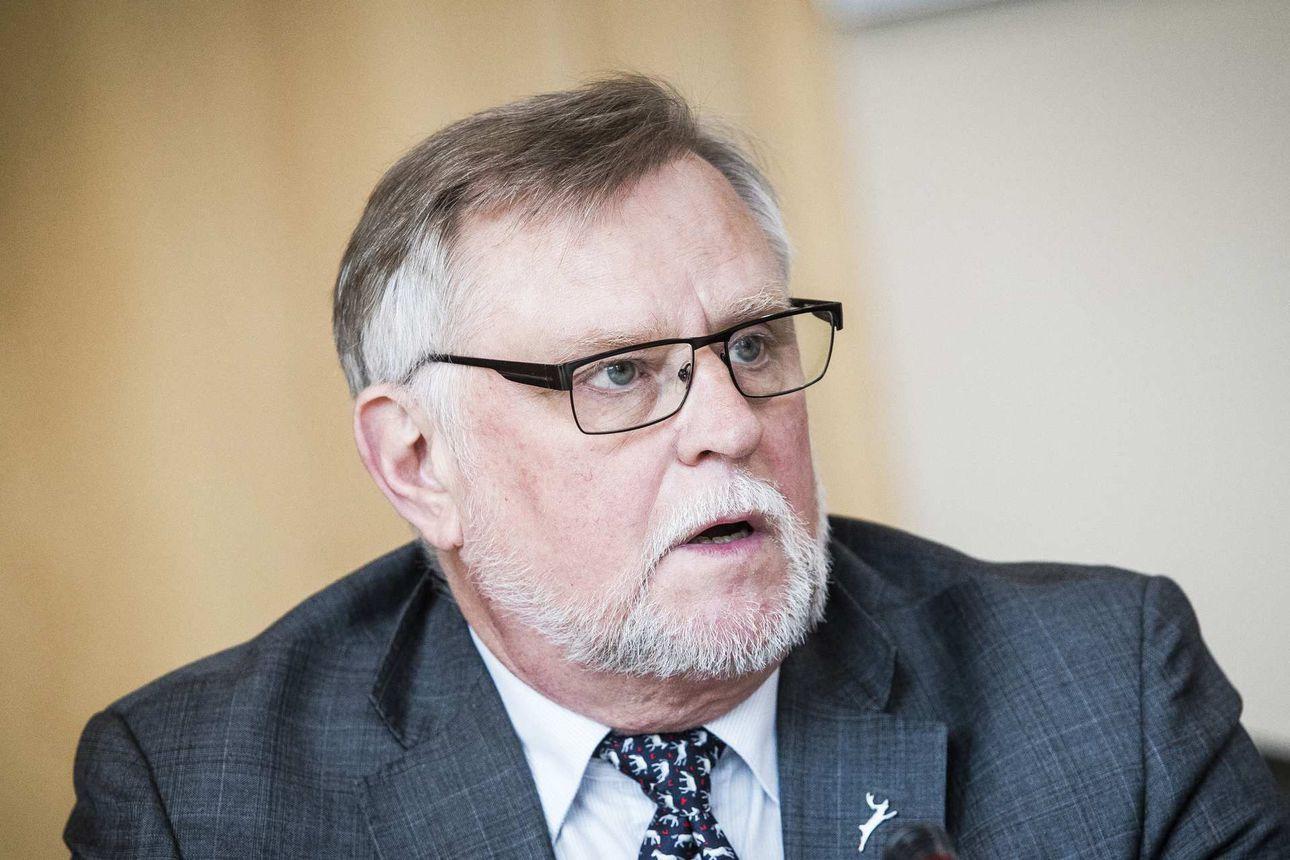 Rovaniemen kaupunginjohtaja Esko Lotvonen pitää verojen korotusta välttämättömänä – talousarvioesitys lähtee siitä, ettei keskussairaalan lähettämä lasku kasva