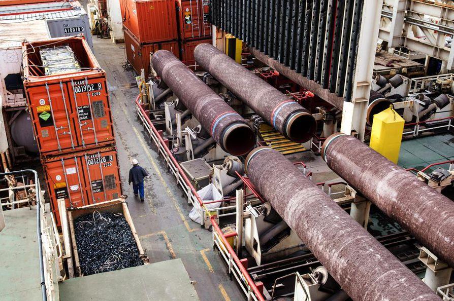 Nord Stream 2 -kaasuputket on pinnoitettu Kotkassa, urakoitsijana toimi Wasco Coatings Finland. Solitaire-alus laski yrityksen pinnoittamia putkia Suomenlahteen viime lokakuussa.