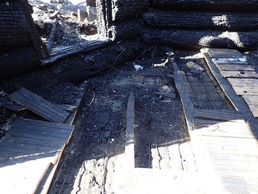 Tulipalo syttyi olohuoneen lattialämmityksestä.