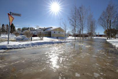 Pyhäjoen tulva alkoi jo nyt:  Vesi nousi Kistuntielle
