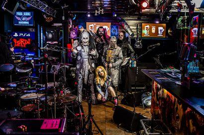 Lordin livestream-keikka kaatui ja nousi – Palvelunestohyökkäys pilasi silti monien illan ympäri maailmaa