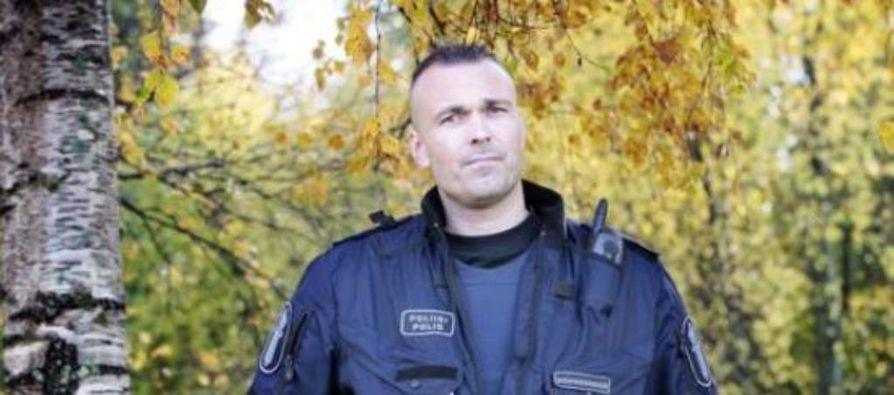Petrus Schroderus, 39, työskenteli pitkään Suomen Kansallisoopperassa tenorina, mutta nyt hän ylläpitää jälleen turvallisuutta Oulun kaduilla.
